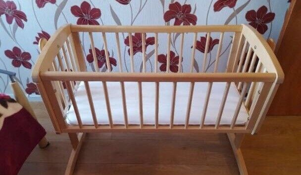 Swinging cribin Carnoustie, Angus - Wooden swinging crib.Does not have the pin to make the crib still.Mattress not included.Collection Carnoustie.£15