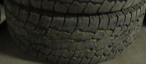A PAIR OF TIRES AT 75% TREAD ()()()LT275—70—18()()()