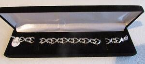 Sterling Silver Bracelets in Velvet Gift Box - NEW Gatineau Ottawa / Gatineau Area image 3