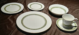 Royal Doulton Fine Bone China Dinner Set - 48 pieces