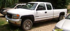 1999 GMC Sierra 2500 4x4 Pickup Truck for Parts or Rebuild obo