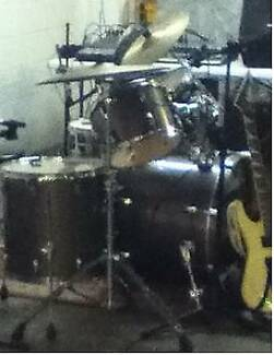 Drum kit PEARL VISION BIRCH with cymbols,gig bags etc