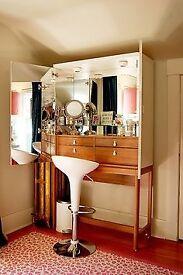 Ikea VINSTRA VANITY Make up Unit in High Gloss