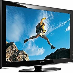 """42"""" SAMSUNG Flat screen TV with stand and remote"""