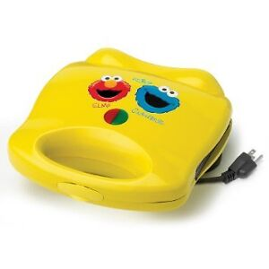 Sesame Street Waffle Maker with Elmo and Cookie Monster ☼