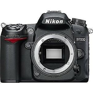 Nikon D7000 body with only 8,100 shutter actuations