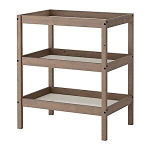 Table à langer Sundvik Ikea gris brun