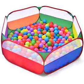Ball pit with 400 balls