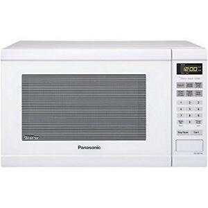 Panasonic NNSD664W 1.2 cu. ft. White Microwave