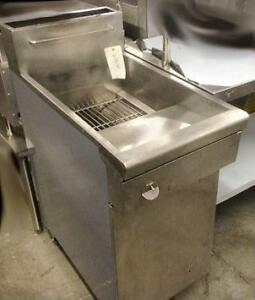 Quest gas deep fryer - fully tested - c/w warratny