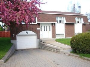 Charming detached house for rent available immediately-Vaudreuil