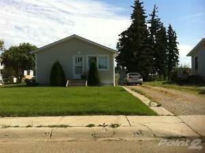 Homes for Sale in Vegreville, Alberta $129,400