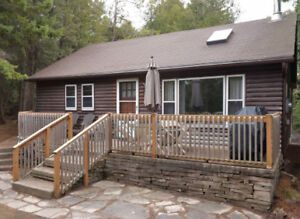 Sauble Beach Cottage - Close walk to the Beach - Great location!