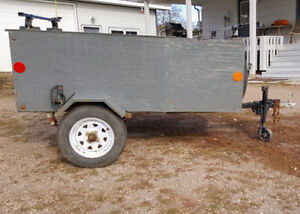 Enclosed Trailer 6ft x 3.5ft x2ft with Rack