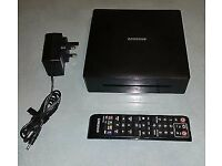 Samsung BD-ES5000 Blu-Ray Player and remote