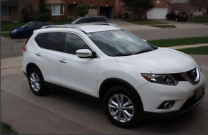 2016 Nissan Rogue SV (FWD) lease take over WINTER TIRES INCL