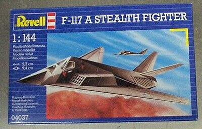 Revell 1/144 F-117 A Stealth Fighter 4037