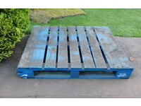 * FREE * 2 x Matching Large Heavy Wooden PALLETS * FREE *