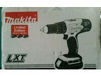 Makita 18-volt Combi Drill 1.5 Ah 3 lithium ion brand new batteries