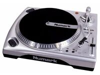 Numark tt150 turntables and mixer (including cassette recorder and microphone)