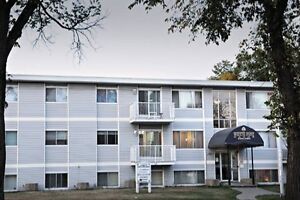 2bd Family Building July 1/2 Price Whyte Ave Apt For Rent Now !!