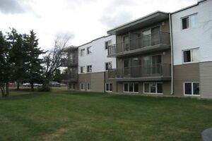 Great move-in incentives on 1 Bedroom unit Northwest of Edm.