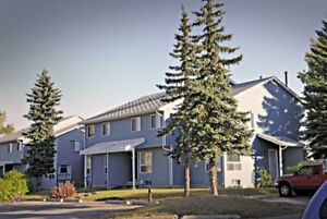 3 Bed Townhome   Calgary   Donu0027t Pay Until August!