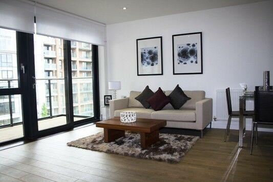 Luxury 2 bed 2 bath FESTIVAL QUARTER CANARY WHARF E14 LANGDON PARK WESTFERRY LIMEHOUSE