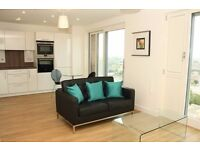 Modern Studio Suite in Bow, Marner Point, Concierge, Gym, Balcony, 17th Floor- Amazing Views- VZ