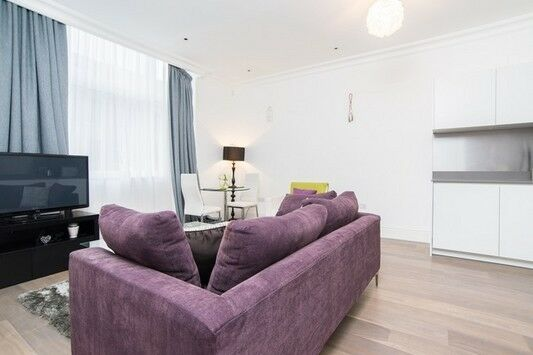 Exquisite one bedroom luxury flat in Sterling Mansions, Leman Street, E1, porter, gym, stylish