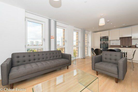 DESIGNER FURNISHED 3 BED APARTMENT IN IVY POINT BROMLEY BY BOW E3 24 HOUR CONCIERGE AND FREE GYM!