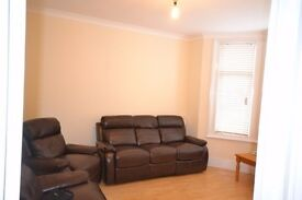 LARGE 5 BEDROOM TERRACED HOUSE, 3 BATHROOMS, PRIVATE GARDEN IN WILLESDEN GREEN NO FEES TO TENANTS