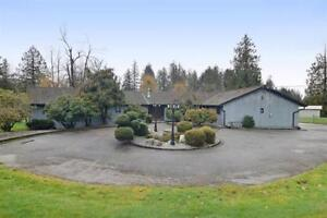 Fantastic 2 Homes- Executive Hobby Farm