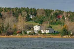 20 Indian Point Rd Is A Seaside Retreat In Glen Haven