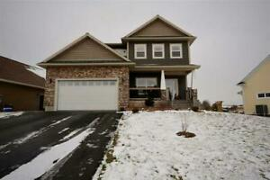 Executive Home with Extras - Clover Lane!