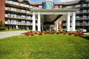 A PERFECT PLACE TO CALL HOME - CONDO ON PARKLAND DR!
