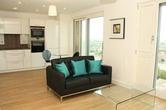 LUXURY STUDIO SUITE MARNER POINT E3 BOW BROMLEY CHURCH DEVONS STRATFORD CANARY WHARF