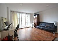 A LUXURY STUDIO FLAT TO RENT IN BOW E3 FEW MINS WALK FROM STATION WITH GYM + CONCIERGE