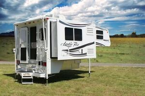 Looking for an Arctic Fox 811 camper (2008 or newer)