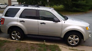 2009 Ford Escape AWD with Winter Rims and Tires, Great Shape!