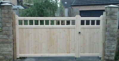 COTTAGE STYLE TIMBER 3/4 + 1/4 DRIVEWAY GATES & IRONMONGERY REF: COLIN