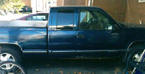 GMC-1500 (4 x 4 ) Three Door Pickup  LOADED