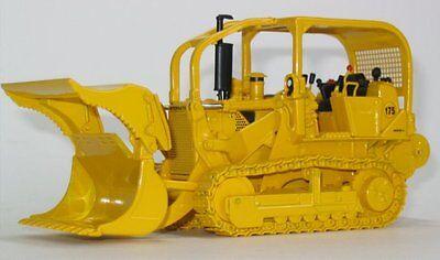 "First Gear 50-3072 IH 175 Crawler w/Demo bucket & winch 1:50 ""BRAND NEW IN BOX"""