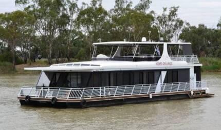 Boat brokerage business