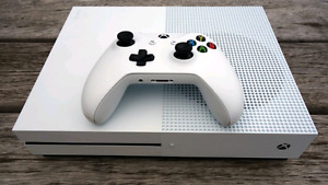 XBox One S 500GB +  2 Controllers and Media Remote