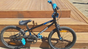 Selling barely used Haro bike great condition