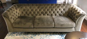 BRAND NEW Gorgeous Grey Velvet Sofa!