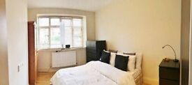 Clapham Common double room in a lovely cottage