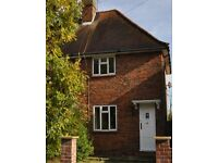 Lovely 4 bedroom STUDENT house with off street parking and large sunny garden. BROADBAND INCLUDED