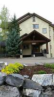 4559 Timberline Cres